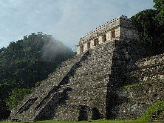 Президент Мексики попросил прощения у народа майя за причиненный вред