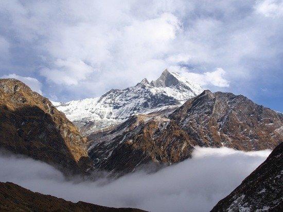 Группа россиян застряла в Гималаях перед закрытием Непала