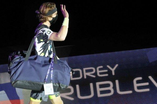 Рублев не смог пробиться в четвертьфинал турнира в Мадриде