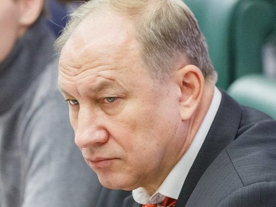 Рашкин упрекнул Путина в переписывании истории