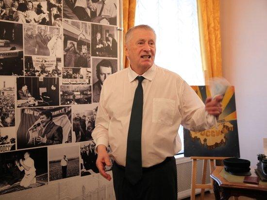 Жириновский из-за шутки пригрозил закрыть шоу «Вечерний Ургант»