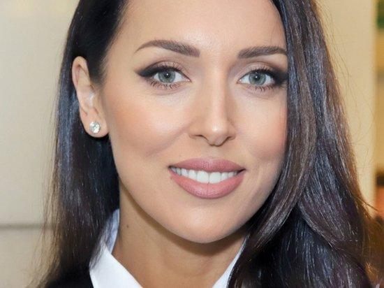 Алсу прокомментировала инцидент в Казани: «Чудовищная трагедия»