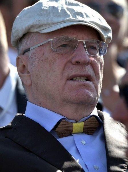 Жириновский призвал закрыть КПРФ как