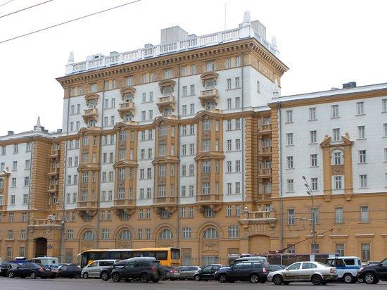 Россия отложила запрет на наем местных граждан для посольства США