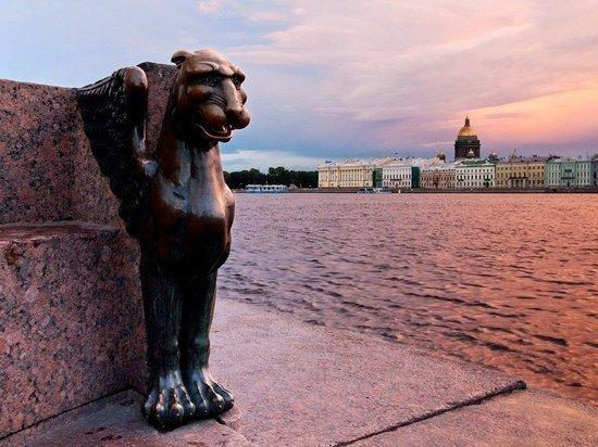 Каменные загадки Петербурга: о памятниках города ходят страшные легенды