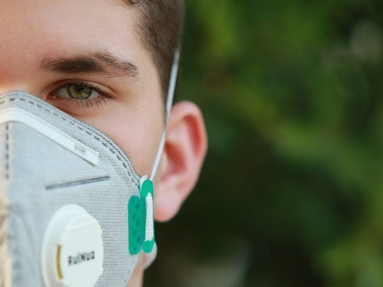 В России за сутки заболели коронавирусом 9694 человека