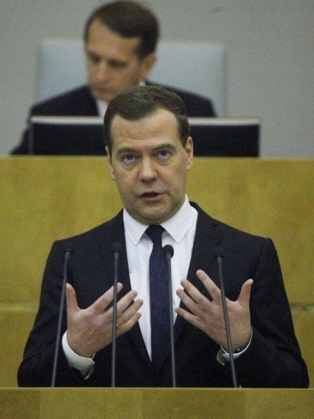 Дмитрий Медведев предложил ввести в России бесплатный проезд для школьников