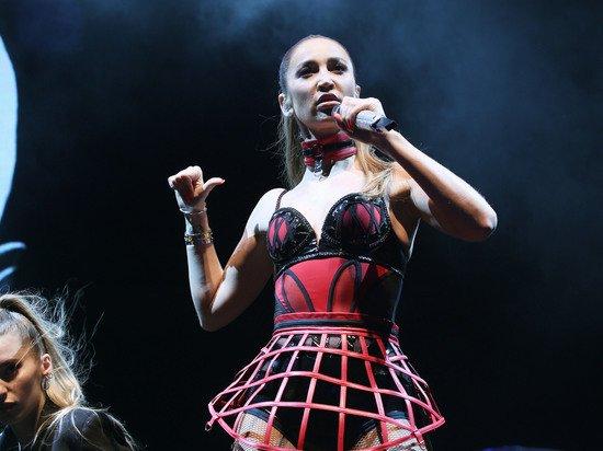 Бузова пригрозила засудить СМИ после странного концерта в Волгограде