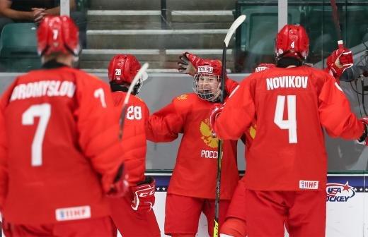 Сборная РФ разгромила Чехию со счетом 11:1 на юниорском ЧМ по хоккею