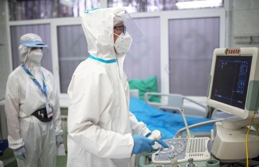 В России за сутки выявили 8697 случаев COVID-19