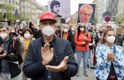Премьер Чехии вызвал главу минюста из-за заявлений по взрывам во Врбетице