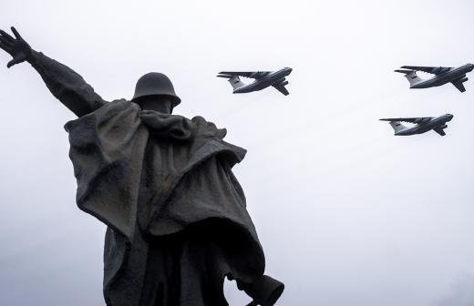 В преддверии Дня Победы в Москве провели профилактику Вечного огня