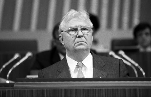 Зюганов выразил соболезнования в связи со смертью Егора Лигачёва