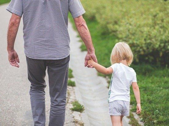 Исследование продемонстрировало увеличение числа отцов-одиночек в России
