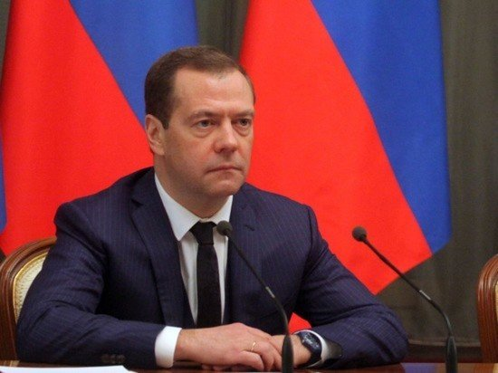 Медведев: Запад повел себя глупо в ситуации с Крымом