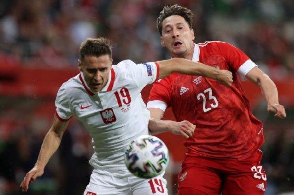 Сборная России по футболу сыграла вничью с Польшей в контрольном матче