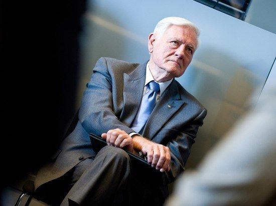 Белоруссия заподозрила экс-президента Литвы Адамкуса в фашистском геноциде