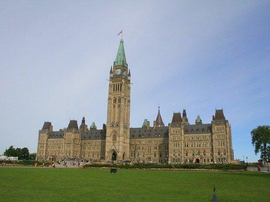 Канада сочла необоснованными санкции России в отношении девяти своих граждан