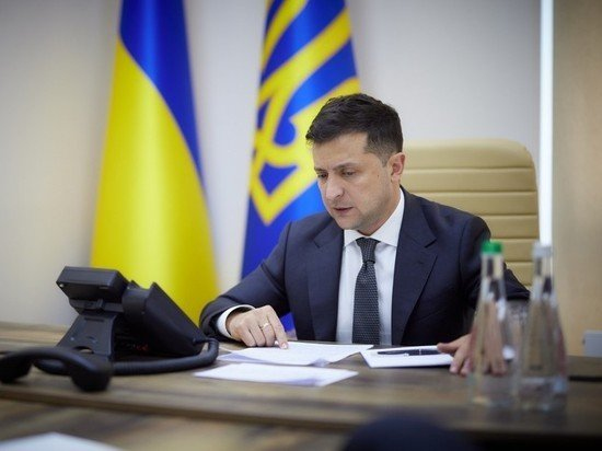 Зеленского подталкивают к внеочередным выборам: «Через полгода будет поздно»