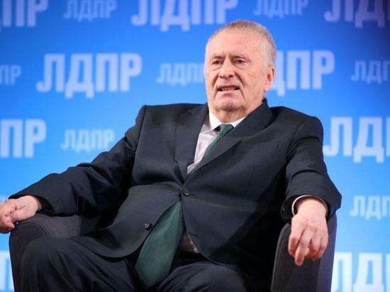Жириновский призвал сурово наказать ударившего Макрона француза