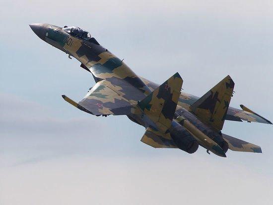 Российский Су-35 сопроводил американский самолет-разведчик вблизи российской границы