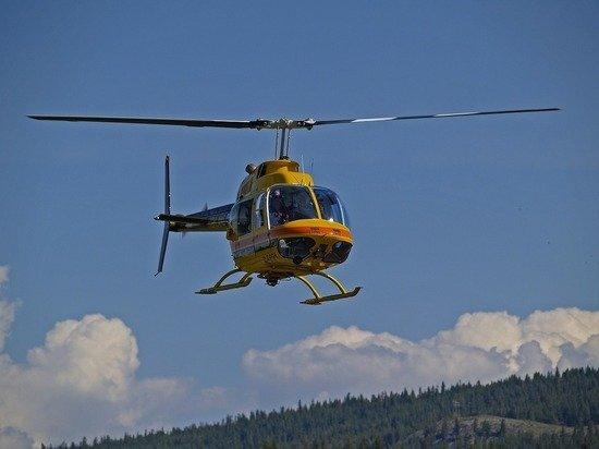 Вертолет в Тюменской области вынужденно сел в болото