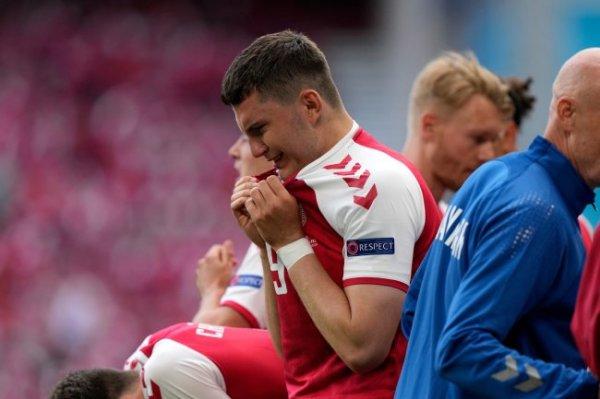 Мы желаем датскому футболисту Эриксену выздоровления