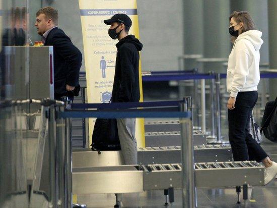 Россиянам разъяснили правила въезда в открывшиеся страны
