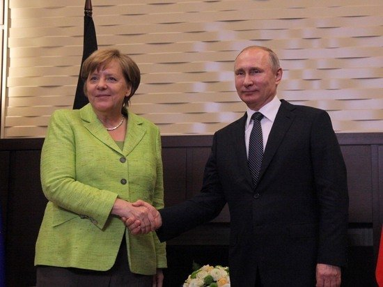 Меркель предложила провести встречу лидеров ЕС с Путиным
