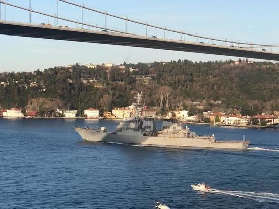 США направили в Черное море эсминец USS Ross