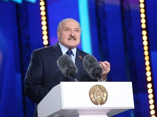 Лукашенко в шутку назвал себя диктатором