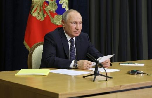 Путин призвал россиян пройти вакцинацию от COVID-19