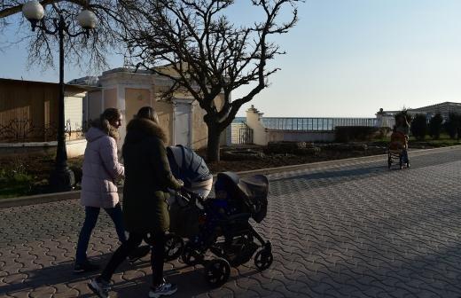 Около 230 тыс. женщин в РФ получат пособия по беременности в 2021 году
