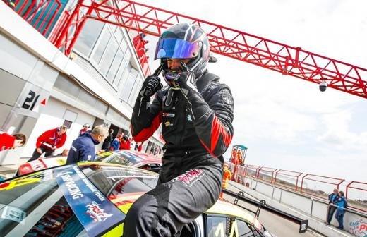 Школьники встретились с гонщиками ралли «Дакар» и «Формулы-1»