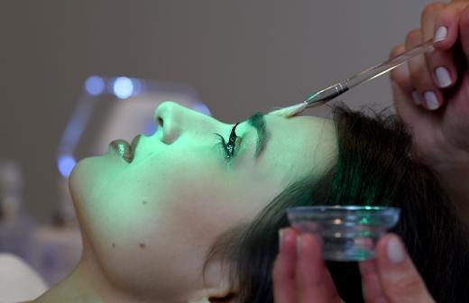 Бывшей жене продюсера Арцибашева плеснули неизвестной жидкостью в лицо
