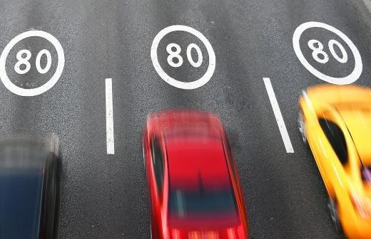 Минтранс попросили объяснить штрафы за среднюю скорость