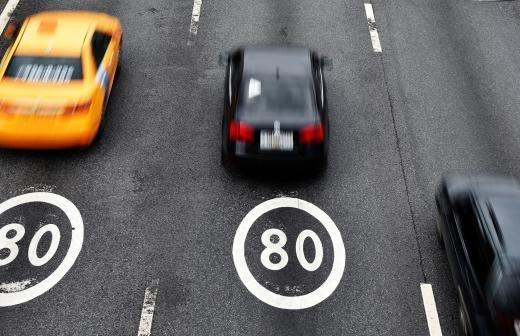 Первоклассников предложили учить правилам дорожного движения