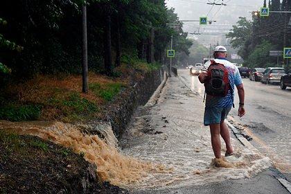 В затопленной Ялте прекратили водоснабжение