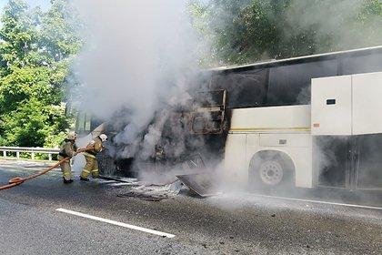 Появились кадры с места столкновения двух автобусов под Сочи