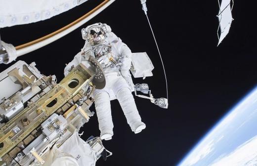 Космонавт Крикалев продолжит курировать пилотируемые программы в «Роскосмосе»