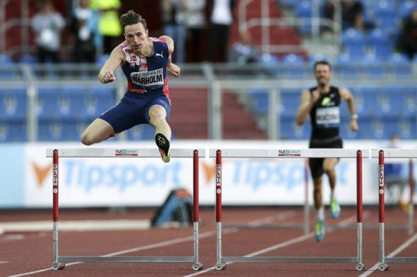 Мировой рекорд в беге на 400 м с барьерами установил норвежец Вархольм