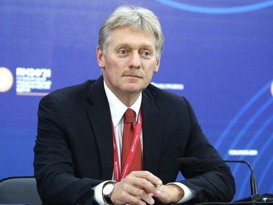 В Кремле прокомментировали запрет МОК изображать медведя на форме российских синхронисток