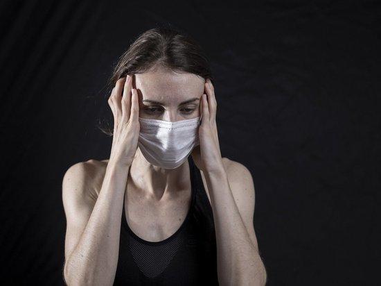 В Минздраве призвали привитых от COVID-19 россиян продолжать носить маски