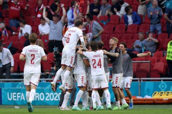 Чехия - Дания. Онлайн-трансляция четвертьфинала Евро-2020