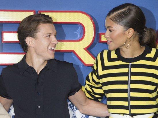 Зендаю и Тома Холланда застукали за страстным поцелуем