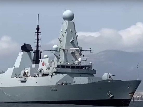 Военный рассказал об отступлении корабля США при провокации в Черном море
