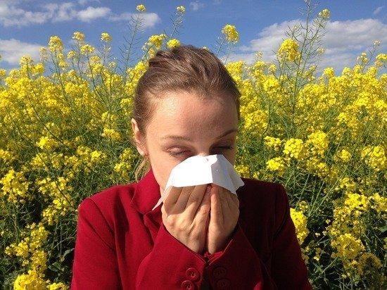 Эксперты рассказали, как отличить аллергию от коронавируса