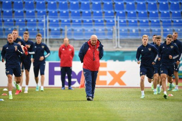 Как прошла пресс-конференция Черчесова после вылета сборной с Евро