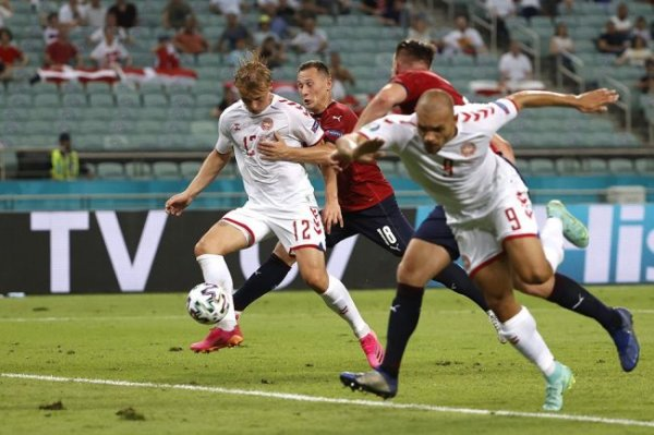 Сборная Дании обыграла чехов и вышла в полуфинал чемпионата Европы