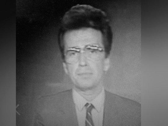 В возрасте 74 лет скончался бывший ведущий программы «Время» Юрий Петров